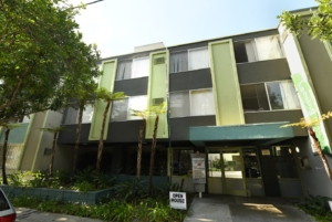 Mardi Gras Apartments
